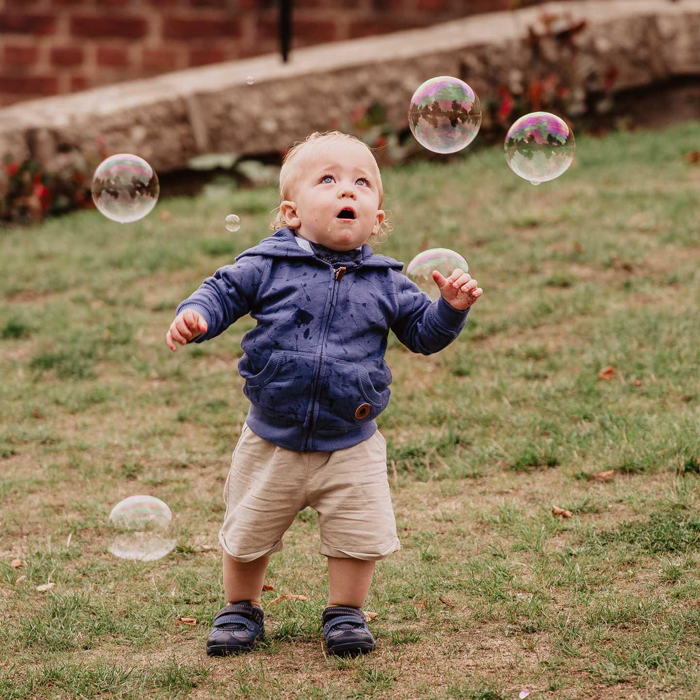wedition outdoor wedding ideas bubbles