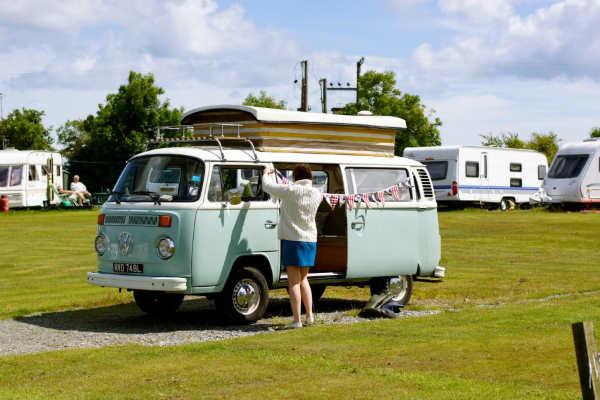 Belinda Bus Classic Campervan Hire London