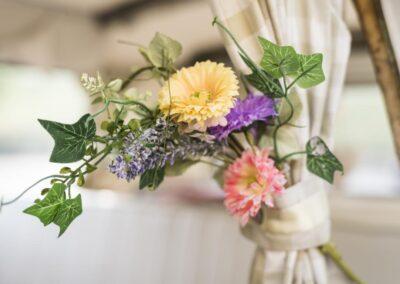 campervan wedding flowers at buttercupbus
