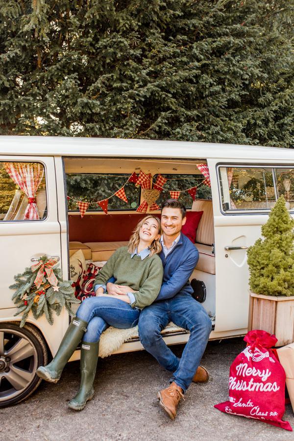 Buttercup Bus - VW Xmas photoshoot Surrey
